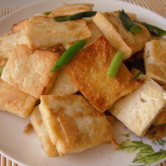 美味可口的家常葱烧豆腐