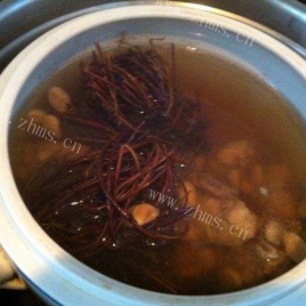 营养的鸡骨草排骨汤