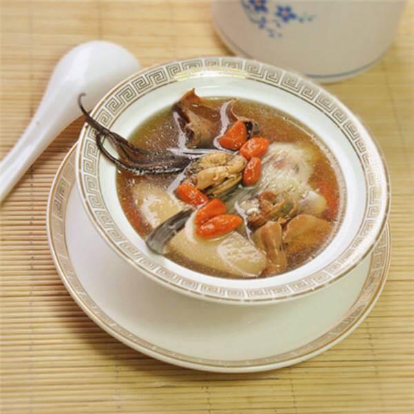 营养的童子鸡虫草养生汤