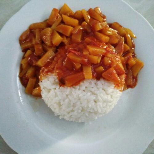 番茄红烩咖喱饭