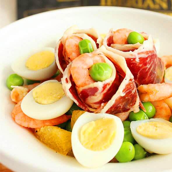 营养的鹌鹑蛋香煎火腿片