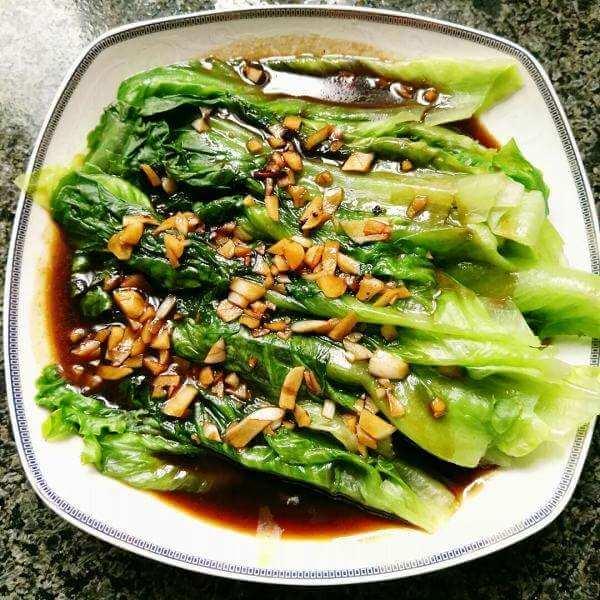 凉拌蚝油菠菜木耳