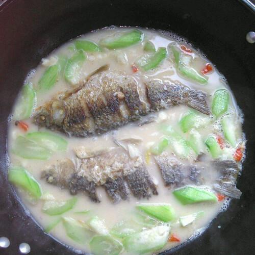 营养的丝瓜银鱼汤