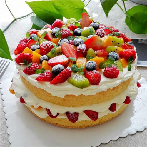 美味的8寸奶油水果裸蛋糕