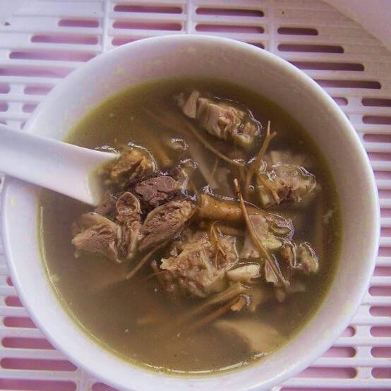 土茯苓薏米鸡脚汤