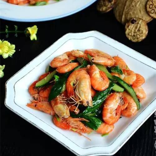 黄瓜皮炒鲥虾