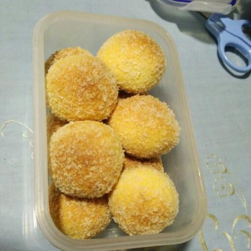 蛋黄椰丝小球