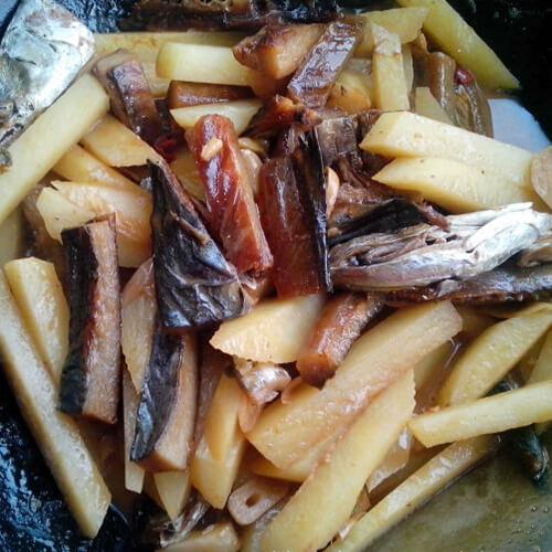 土豆炖鲅鱼