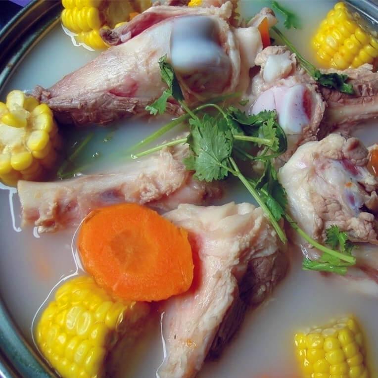 薏米云苓芡实煲猪筒骨