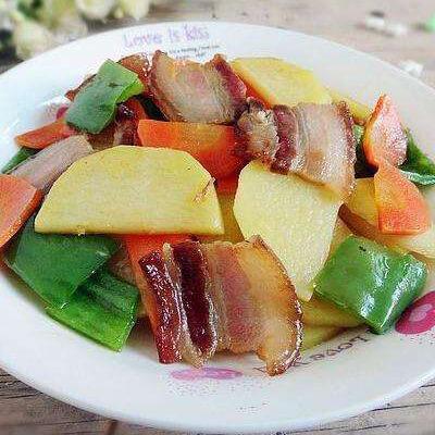 尖椒腊肉炒土豆