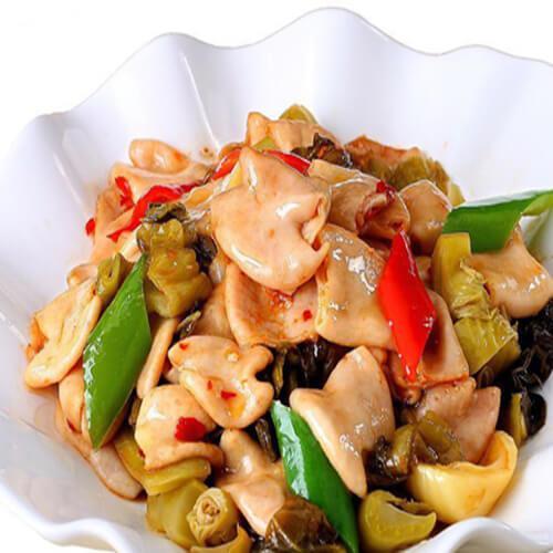 酸菜鲫鱼肥肠汤的做法