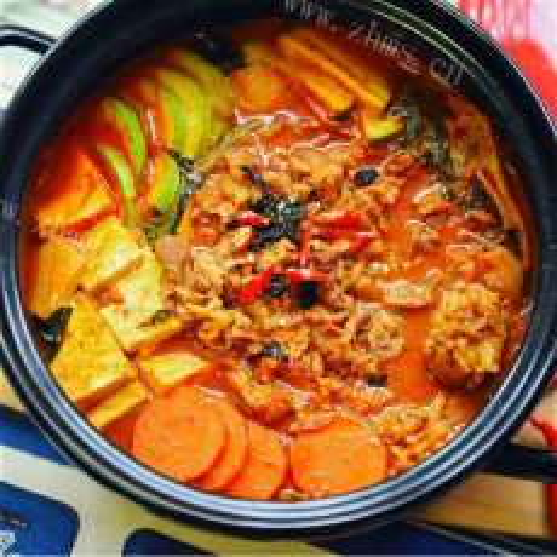 自制泡菜年糕豆腐汤