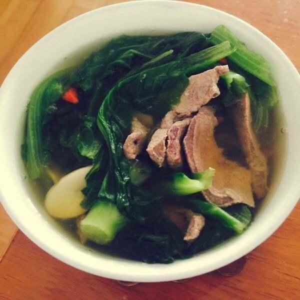 自制肉丸粉片青菜汤