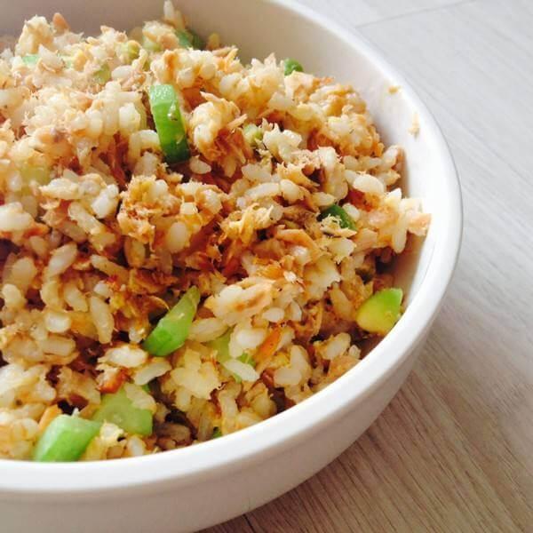 芹菜三文鱼蛋炒饭