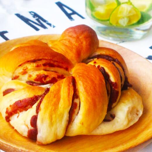 南瓜豆沙卷面包