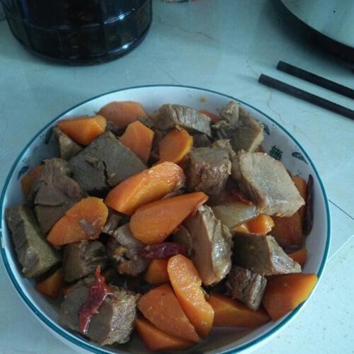 牛肉烧红萝卜