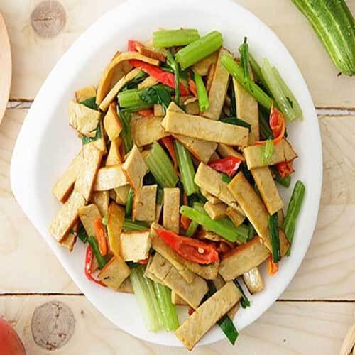 芹菜豆腐焖饭