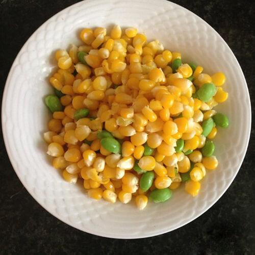 彩色玉米开胃菜