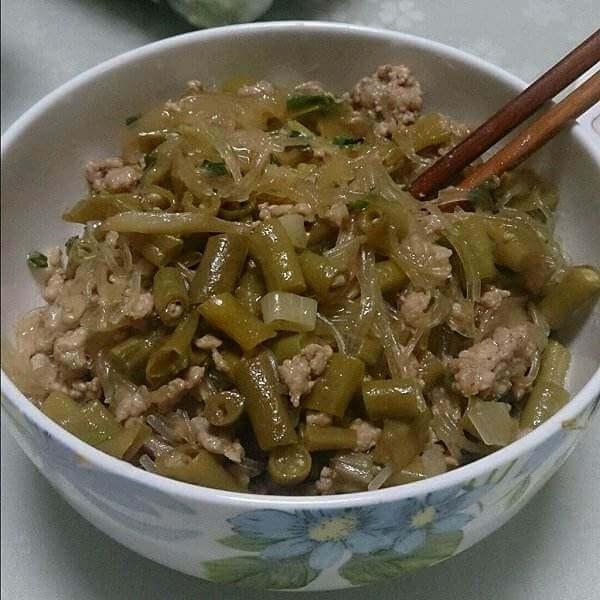 酸豆角炒肉末粉丝