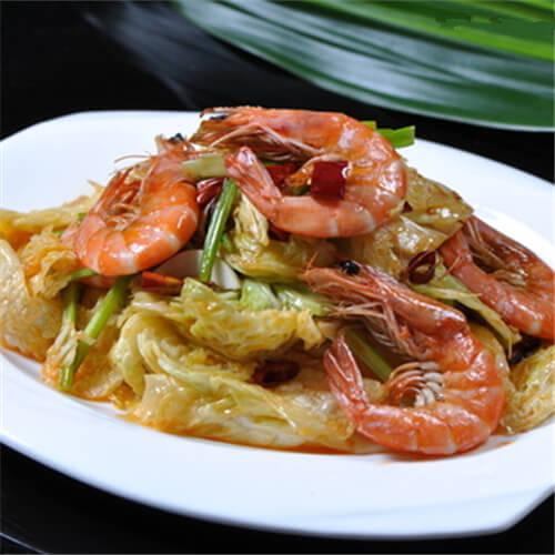 美味的软壳虾炒白菜