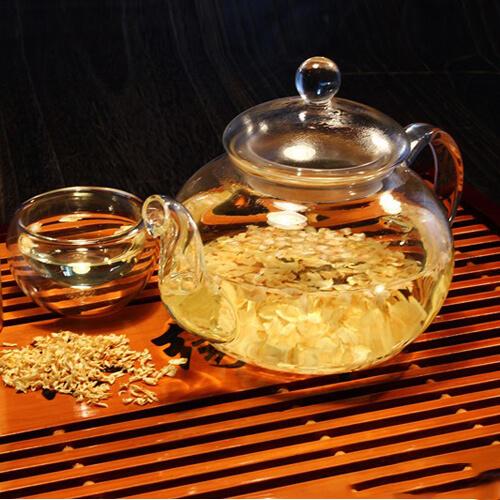 枇杷花茶饮