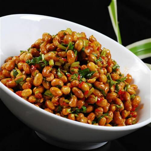 芹菜花生米拌黄豆