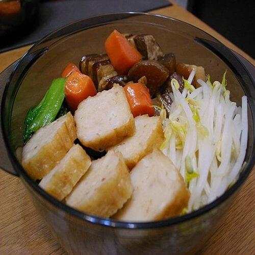 美味的卤肉豆芽菜