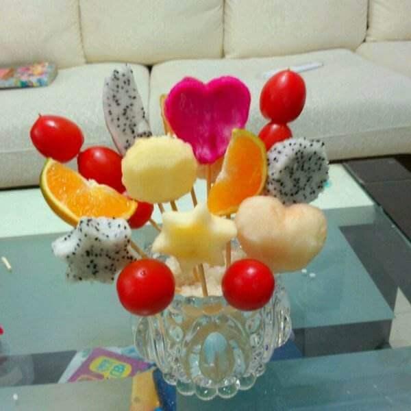 美丽的玫瑰水果花