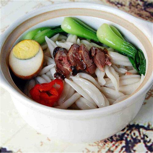 可口的油菜蕻饺子波纹面