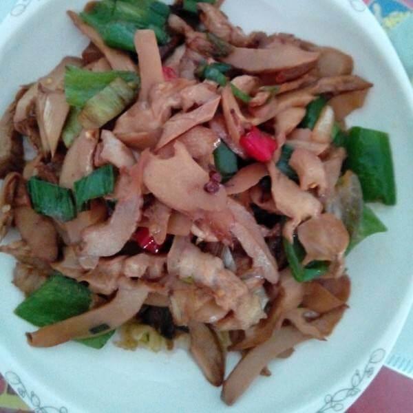 绿豆芽香炒里脊肉