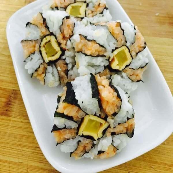 美味的梅花寿司