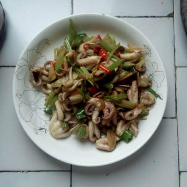 韭菜姜丝炒章鱼