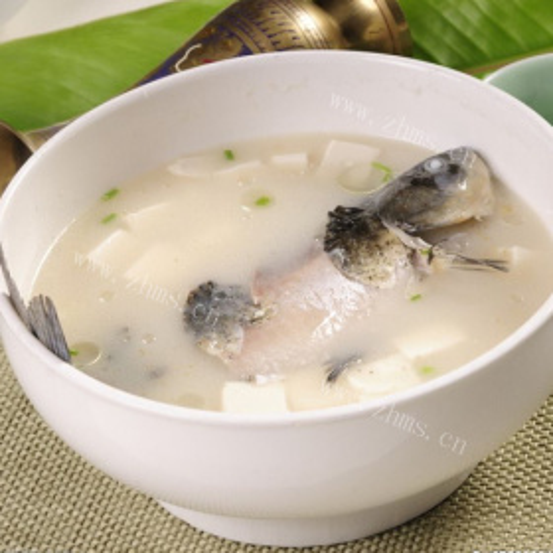 鲫鱼豆腐白菜汤