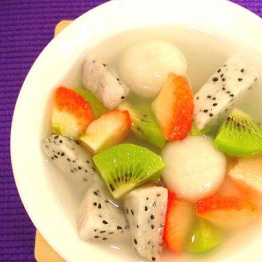 美味的水果蜜汁汤圆