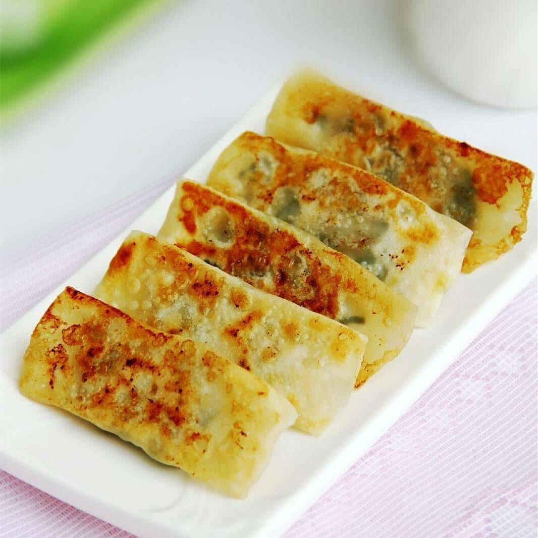 香煎干豆腐卷金针菇