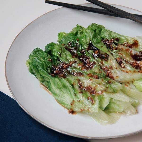 蒜蓉浇汁生菜