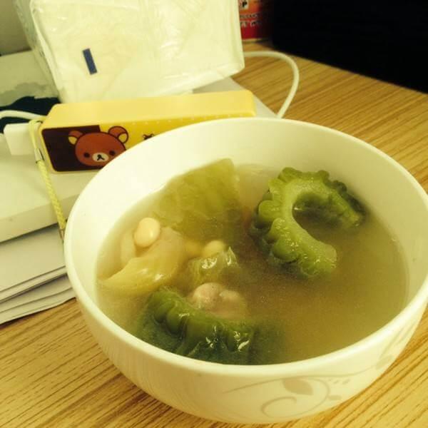 咸菜苦瓜汤