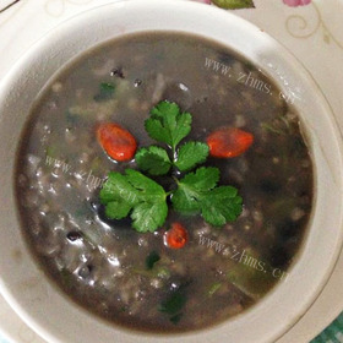 皮蛋黑米粥