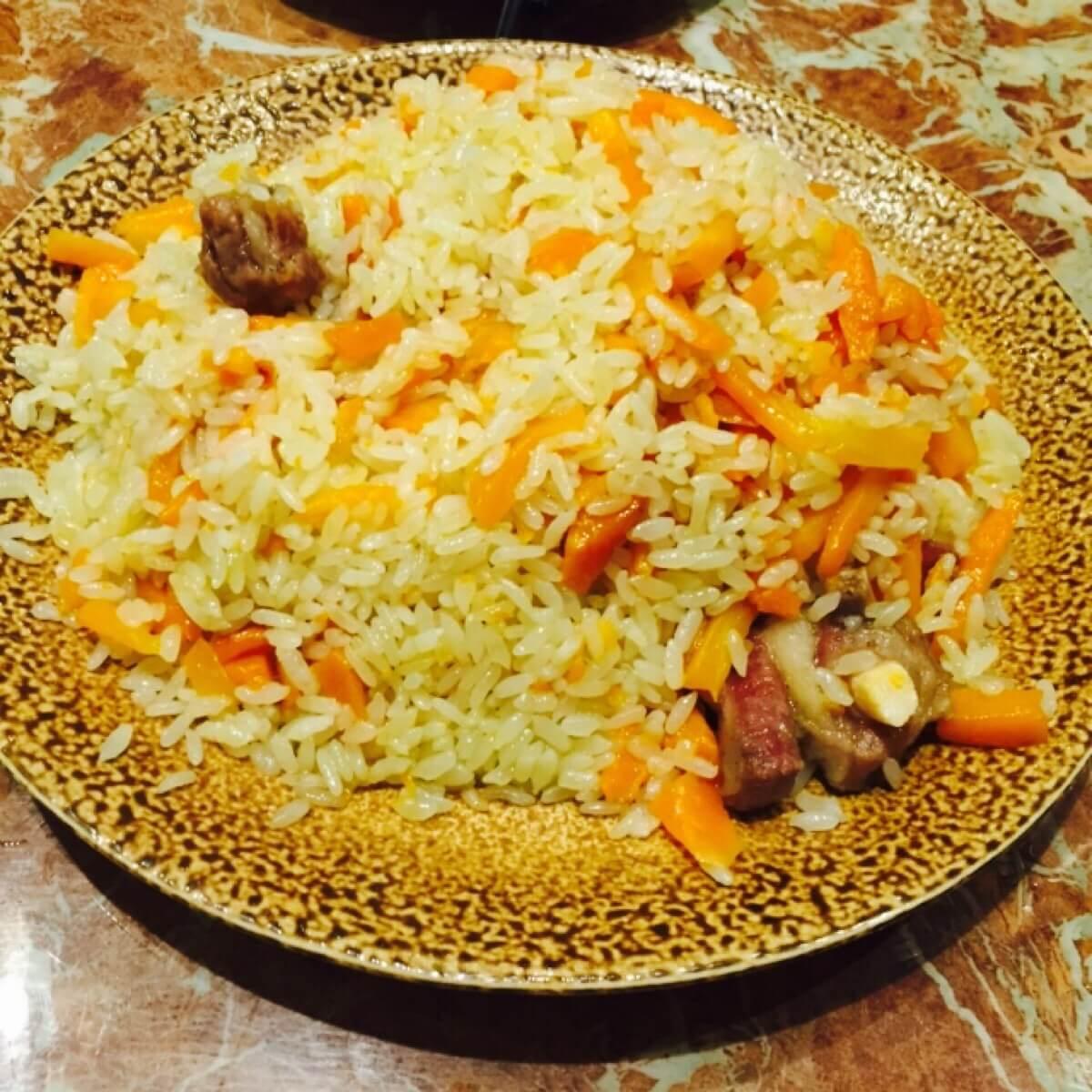 美味的新疆抓饭