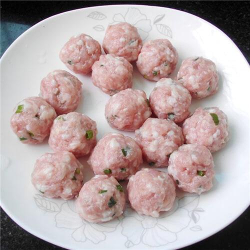 萝卜冻豆腐肉丸