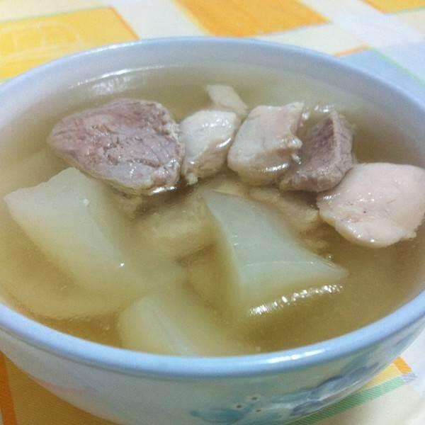 白萝卜煮鱼肉汤