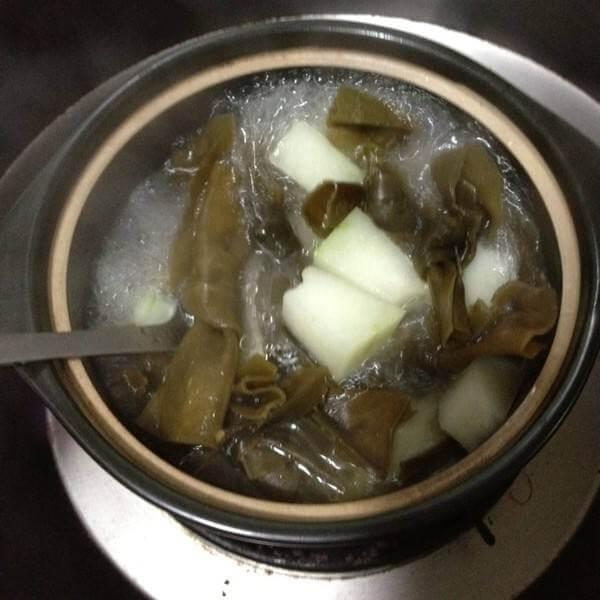 韩式石锅海带汤