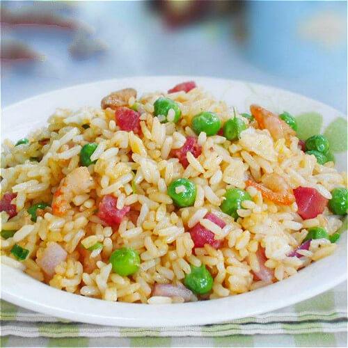 好吃的鲜蔬炒米饭