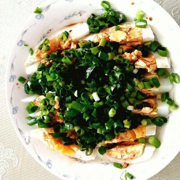 小葱拌灌肠