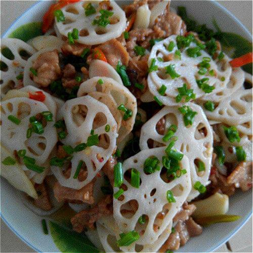 葱香肉粒炒藕