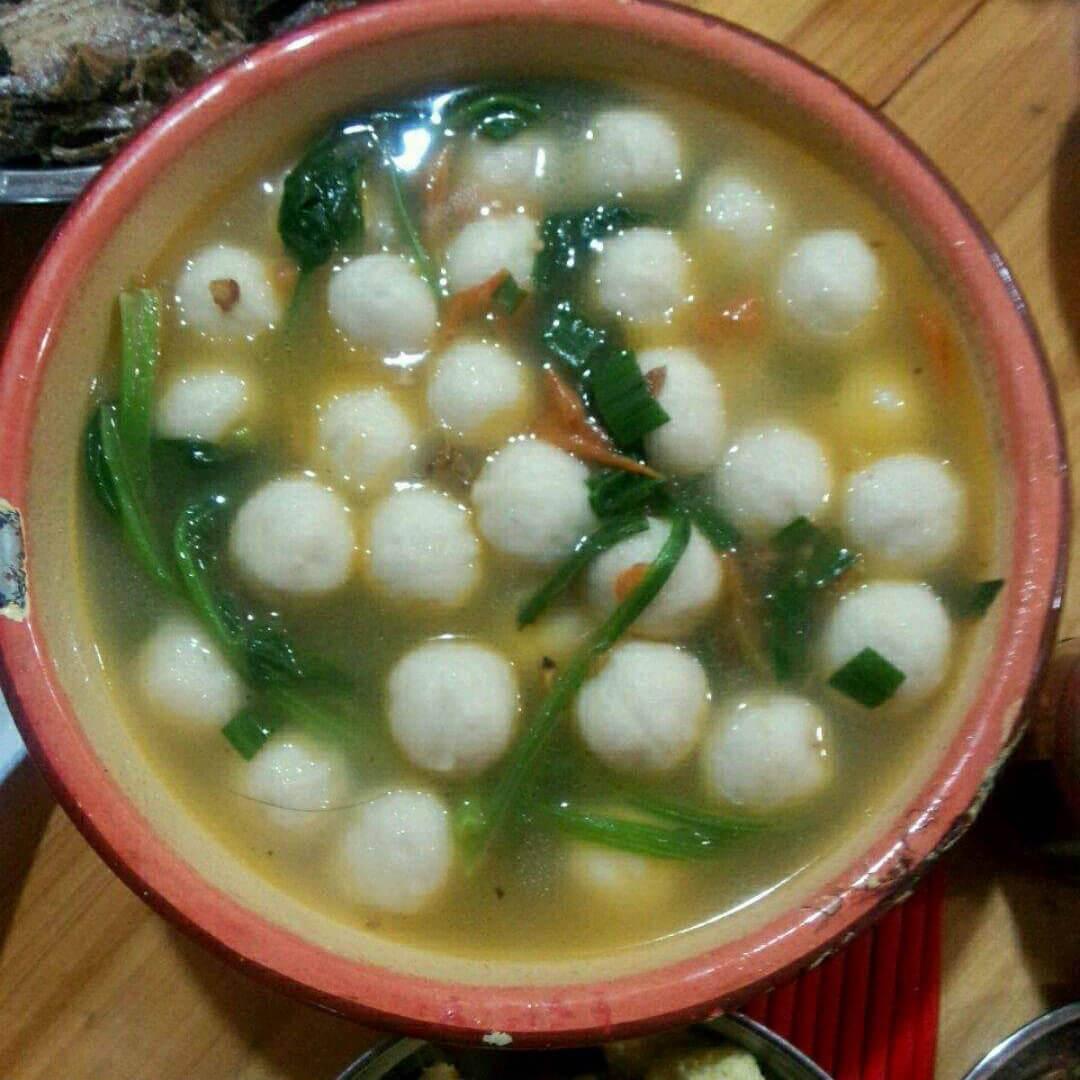 西红柿木耳鱼丸汤