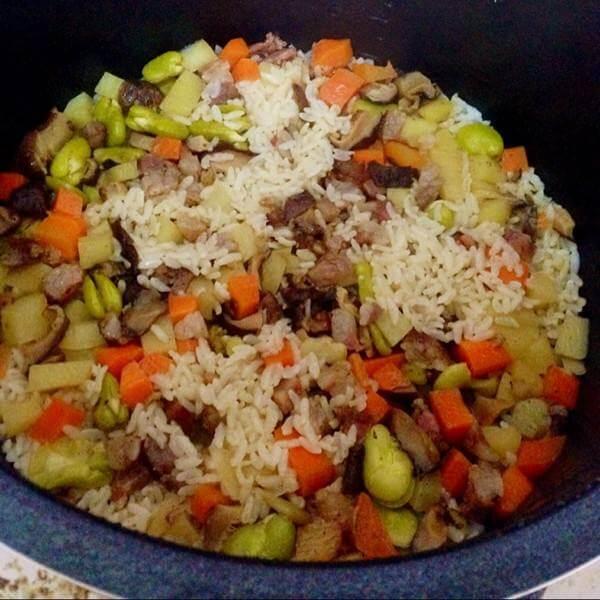 美味蚕豆胡萝卜焖饭