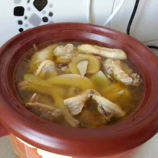海参橄榄鸡汤