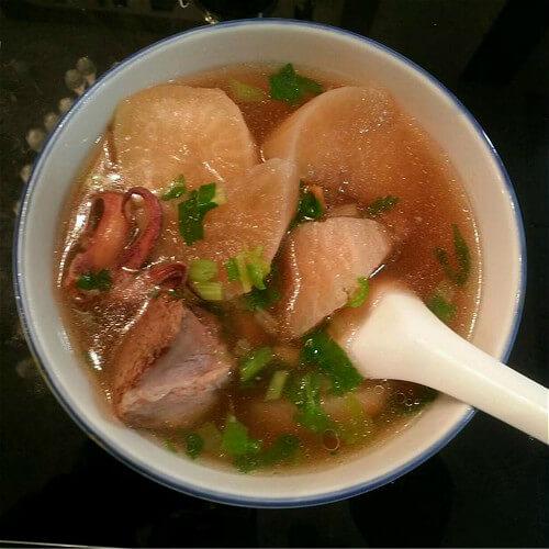 萝卜干排骨汤