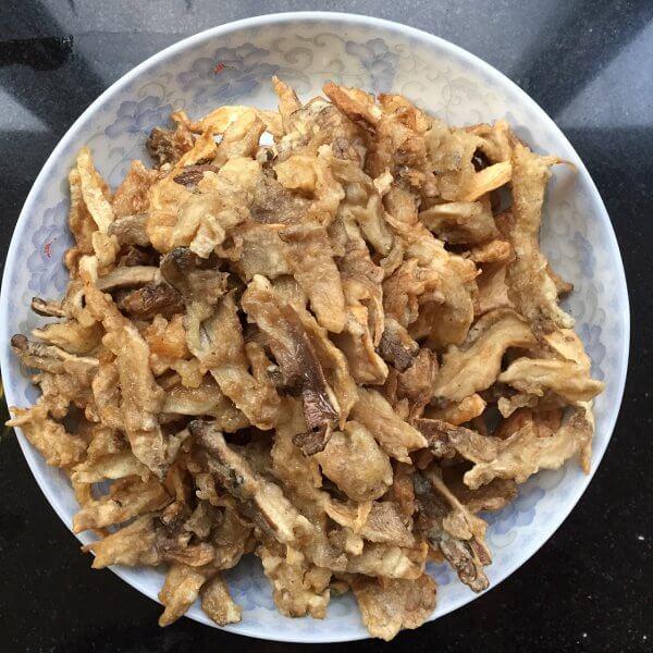 常吃不腻的简单炸蘑菇
